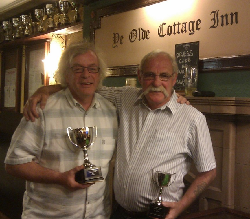 Winner Paul McLaughlin (L) with runner-up John Roberts